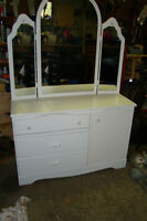 Beautiful 3 drawers and cupboard and mirror