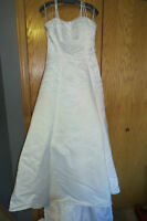 CLEANED AND READY TO WEAR! Beautiful Size 12 wedding dress