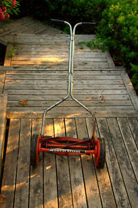 Vintage Push Lawn Mower.....THAT WORKS!!
