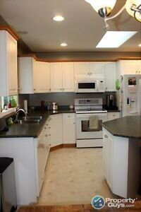 HOUSE FOR SALE in Salmon Arm Revelstoke British Columbia image 7