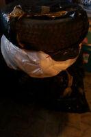 4 pneu d'hiver TOYO 185/70/r14 + 1 pneu en extra