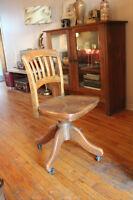 Chaise de bureau vintage rétro type secrétaire