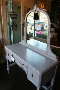 CHARMING SHABBY CHIC FRENCH GREY VANITY/DESK WITH MIRROR