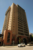 1 Bed/Bath for sublease. Great Downtown Location