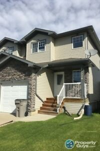 Bright and spacious starter home or investment opportunity!