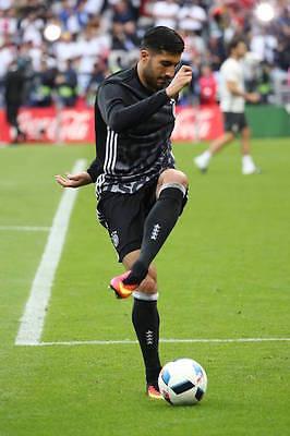 Emre Can setzt in seinen Schuhen von Nike definitiv Akzente. (Bild: Imago)