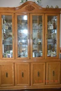 Buffet & Hutch (Lighted) REDUCED !!!!!
