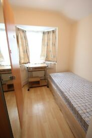 Single room close to Hendon Central and Middlesex Uni