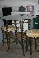 cofe table with 4 stools for sale
