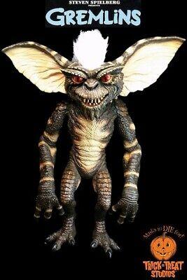 Evil Halloween Tricks (Gremlin Stripe Evil Puppet Prop Trick or Treat Studios Gremlins Green)