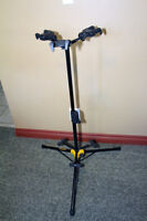 Guitar Stand the Hercules GS432B Tri Stand for up to 3 Guitars