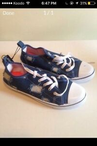 Woman's Sneakers Size 7 (NEW) St. John's Newfoundland image 1