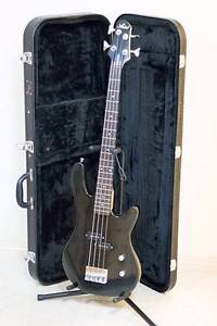 ARTIST 3/4 BLACK ELECTRIC BASS GUITAR Morayfield Caboolture Area Preview