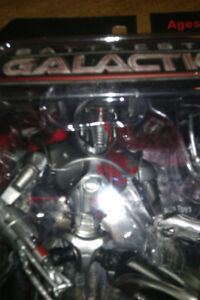 Battle Star Galactica Cylon and Future Hiro SDCC Exclusives Cambridge Kitchener Area image 4