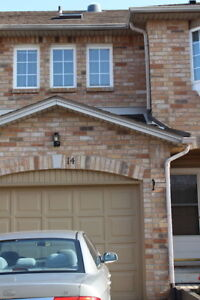 FABULOUS NEW 2 BED 2 BATH TOWNHOUSE HIGHLAND RD. W STONEY CREEK