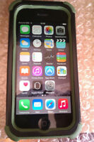 IPHONE 5 64GB   ROGERS FIDO CHATR
