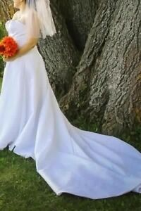 Sz 16 DaVinci ivory white wedding dress