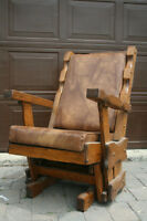 SUPER COMFORTABLE ROCKING CHAIR FROM THE 70s!!