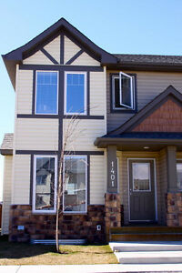 Kings Heights Townhome for Rent- Airdrie
