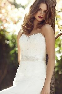Beautiful Wedding dress for sale!!!! London Ontario image 10