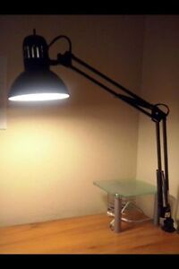 Extendable desk lamp - MUST GO BY APRIL 25TH