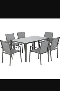 *BRAND NEW IN BOX* Patio Dining Set