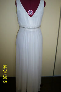GREAT OPPORTUNITY! Wedding chiffon dress -size L West Island Greater Montréal image 3