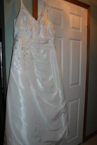 Alfred Angelo Wedding Gown Kawartha Lakes Peterborough Area image 1