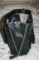 Black school/computer bag ~ expands ~ in excellent condition