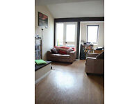 Lewisham SE13. Stunning, Spacious & Modern 1 Bed Split Level Flat with Balcony. Furnished, Quiet St.