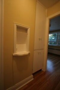 Old South Charm 2 Bed w/Hardwood Floors & Controlled Entry London Ontario image 4