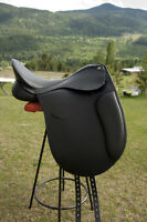 THORNHILL DRESSAGE SADDLE   BRAND NEW