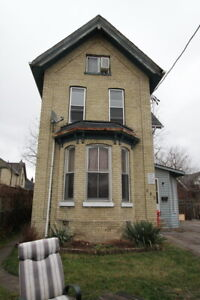 1 Bed Loft Top Part Of House W Skylights Quebec Near Oxford