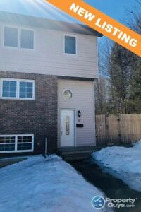 Excellent END Unit townhome close to schools & recreation
