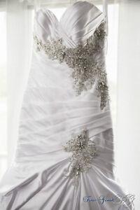 WEDDING BRIDAL GOWN - MERMAID - LUSTROUS SATIN WITH EMBROIDERY Gatineau Ottawa / Gatineau Area image 6
