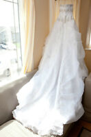 Wedding Dress (Size 6) Ready in excellent cond & drycleaned