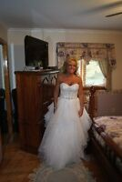 Maggie Sottero Wedding Dress (Size 8)