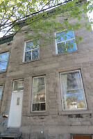 4 CLOSED BEDROOMS  PTE ST CHARLES 6 1/2 UPPER DUPLEX IMMEDIATE