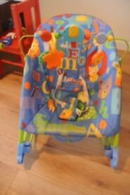 FISHER PRICE baby rocker / chair reclines or sits up