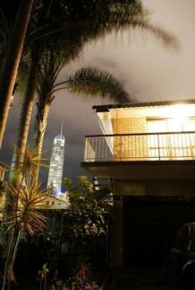 Share-Room in SURFERS - International Students WELCOME!