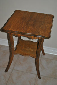Antique Parlour Table (Solid OAK Wood) -Circa 1900- Refinished!!