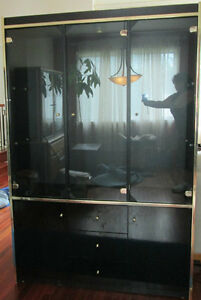 BLACK LACQUERED HUTCH CHINA DISPLAY CABINET West Island Greater Montréal image 1