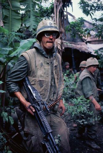 Vietnam War USMC 1st Marine 5th Regiment During Tet Glossy 8x10 Photo