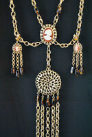 Vintage cameo gold tone costume jewellery earring & necklace set