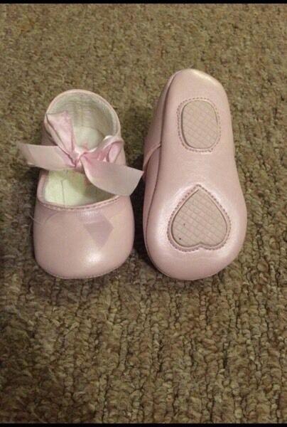 6-9m Mayoral Spanish pink pram shoes