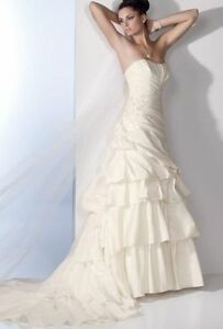 Beautiful wedding dress in need of a new home!