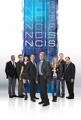 DAVID McCALLUM & EMILY WICKERSHAM UNSIGNED CAST PHOTO - 6262 - NCIS