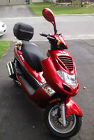 KYMCO Bet & Win 150cc Gas Scooter - Mint Condition