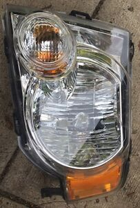 Drivers side headlight replacement. 2010 ford escape xlt Peterborough Peterborough Area image 2