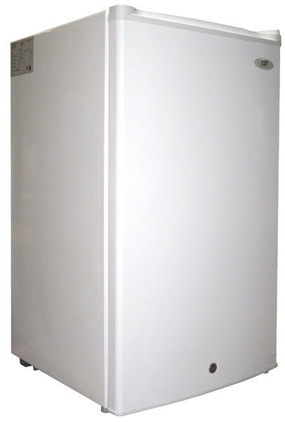 SPT 3.0 Cu. Ft. Upright Freezer White UF-304W